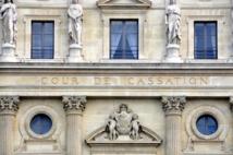Le juge commissaire ne peut se prononcer sur l'admission d'une créance au passif si une instance, même radiée, est en cours
